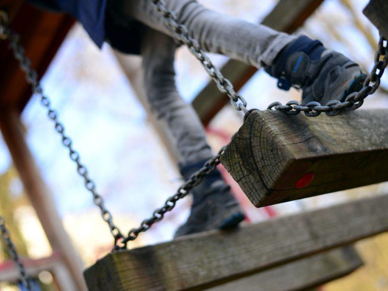 playground-4070489_1920